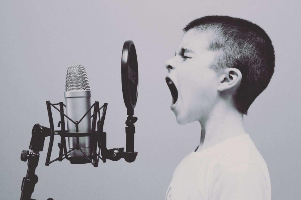 educar grito
